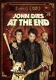 Смотреть фильм В финале Джон умрет онлайн на Кинопод бесплатно
