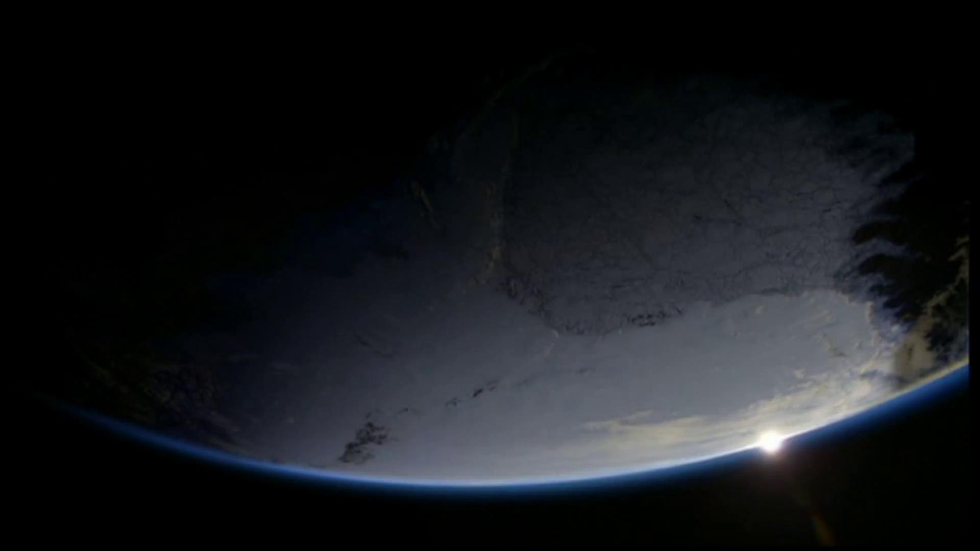 """Фильм онлайн  """"BBC: Замерзшая планета"""" фото актеров"""