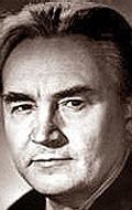 Игорь Безяев