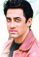 Файзал Кхан