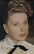 Симона Пари
