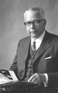 Густав Хайнеман