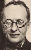 Макс Адалберт
